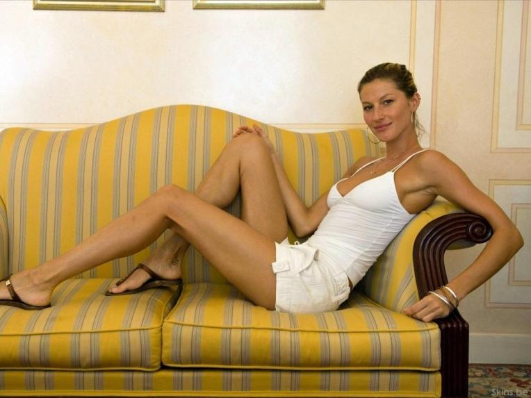 gisele-bundchen-legs-legs-84f61e770214d328b4a2f38ab9884a7c-large-1484626